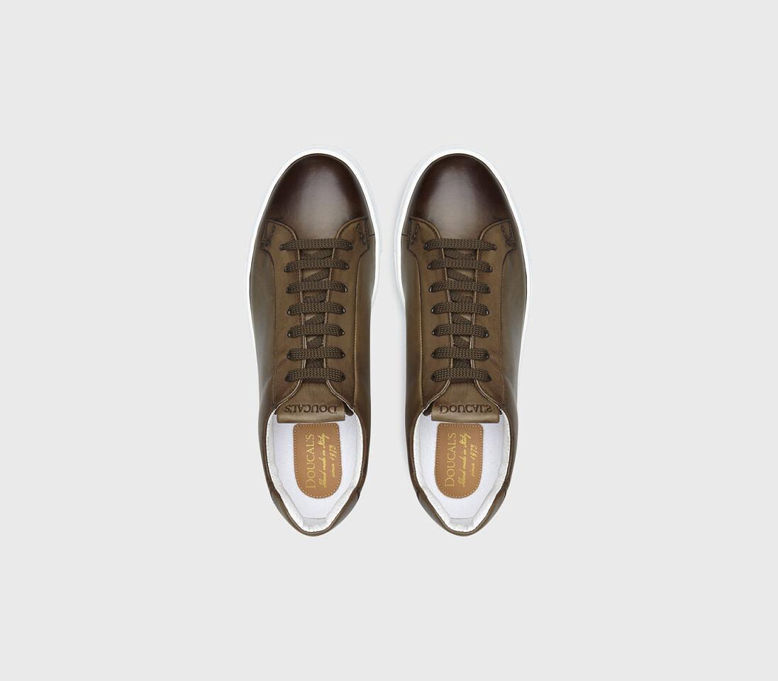 Sneakers da uomo in pelle | verde militare - Doucal's